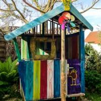 Kinderspielhaus mit Drache